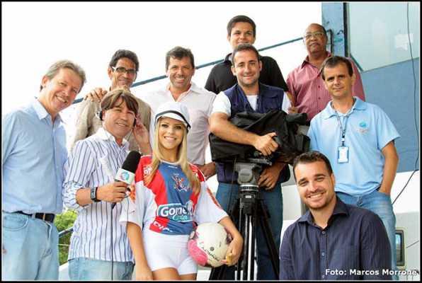 Lívia Corrêa é a musa do Clube Náutico Marcílio Dias