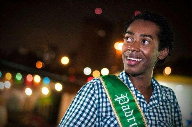 Foto de Evandro Vieira o Padrinho dos Garis que da um show de Samba no Pé no Carnaval de SP