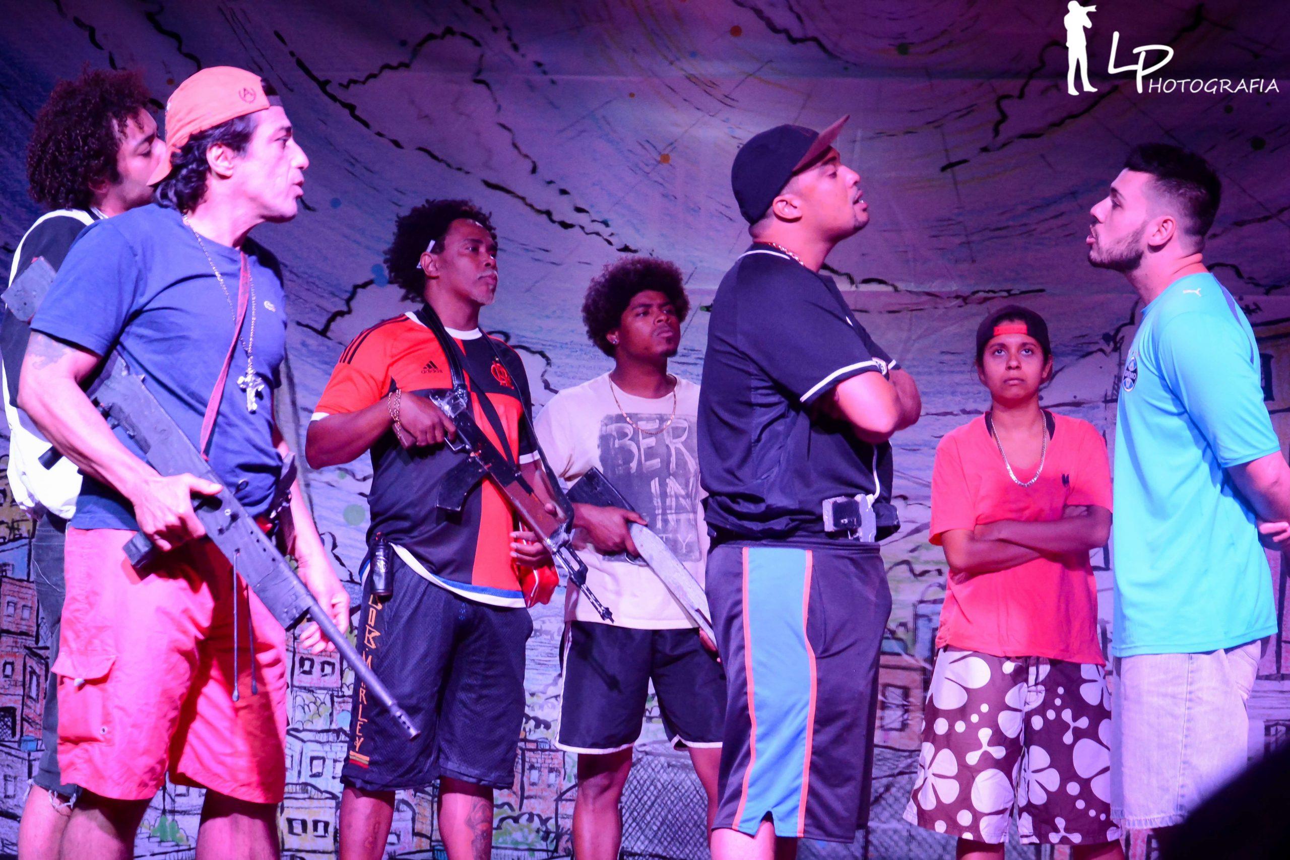 """Foto de Cia de teatro Abraço da Paz apresenta """"MORRO DA TRINCHEIRA"""""""