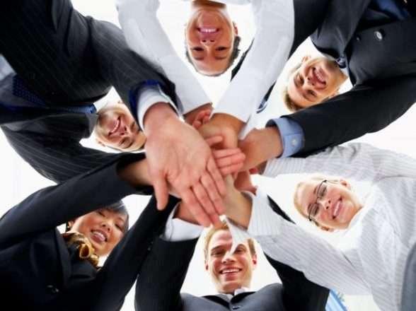 Foto de Empresas investem na integração de funcionários
