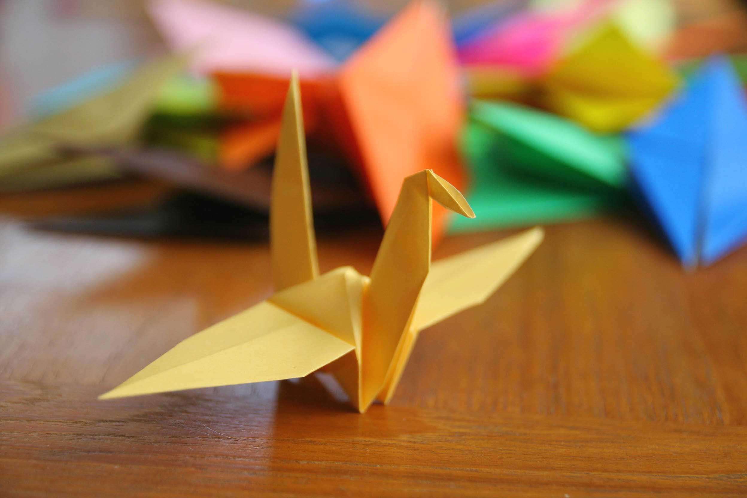 Foto de Origami expressão que provém do japonês o arte de dobrar o papel