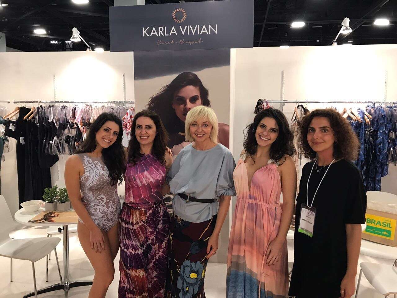 Foto de Karla Vivian Beach Brazil na Miami SwimShow