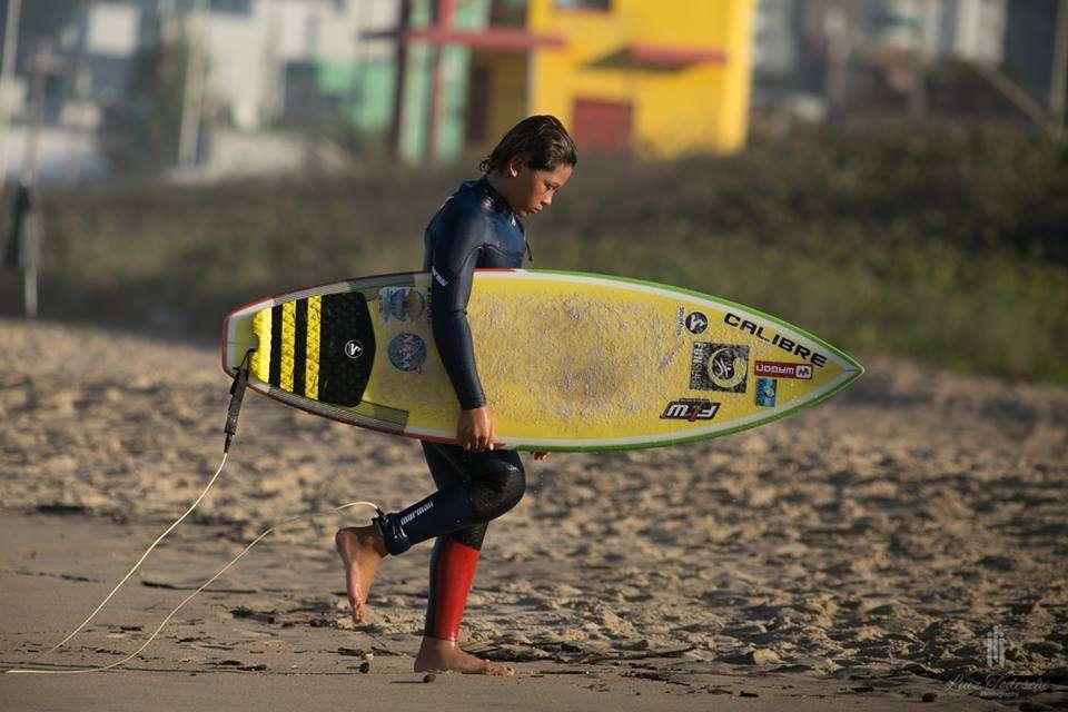 Foto de Campeão Catarinense de Surf 2016 com 9 anos de idade é de Balneário Camboriú