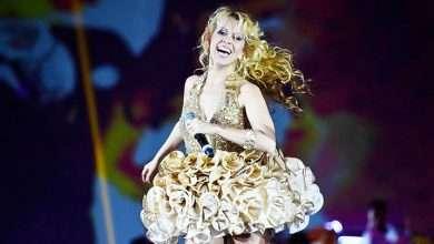 Foto de Fã derruba cantora Joelma em show