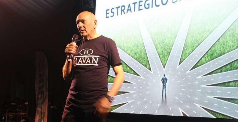 Luciano Hang destaca ousadia e planejamento em palestra - Divulgação