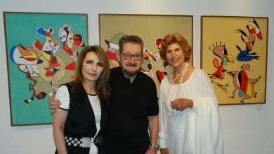 Foto de Artistas e formadores de opinião no vernissage da Exposição