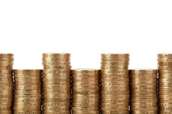 Brasileiros aprendem mais sobre educação financeira