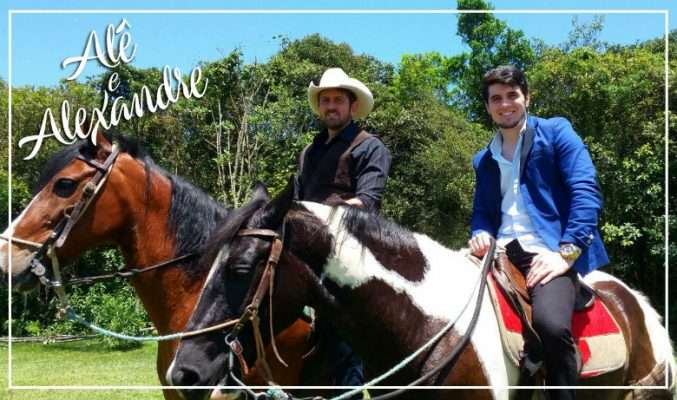 Alê & Alexandre andando a cavalo