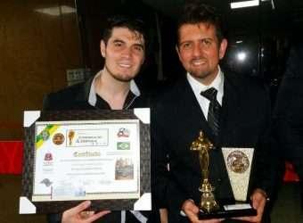 Recebendo Prêmio Comunicação em Destaque