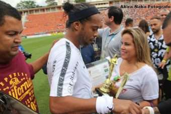Billy-Jackson-Ronaldinho-Gaúcho-e-Viviane-Alves.-Im.001.-340x227 Title category
