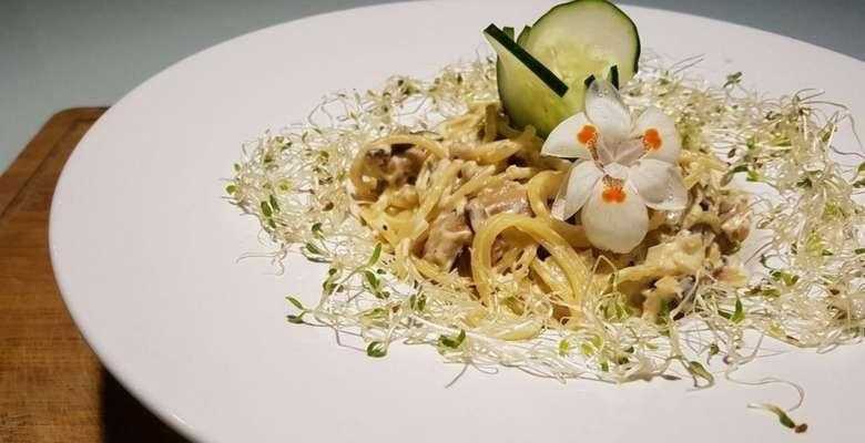 Espaguete Ragu com Cogumelos