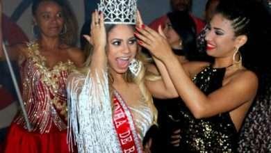 Foto de Nesta Quarta-Feira,  Lexa recebe faixa de Madrinha do Bloco Banda Amigos da Barra da Tijuca