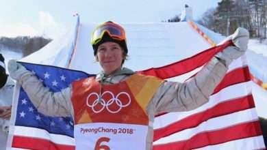 Foto de Redmond Gerard aos 17 anos conquista medalha de ouro no snowboard para os EUA