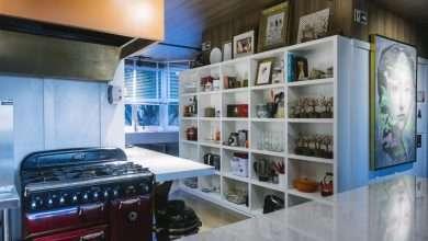 Foto de Praticidade da Cozinha do Chef na CasaCor de Porto Alegre chama atenção