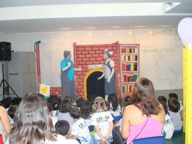 Durante a Bienal do Livro, serão realizadas diversas atividades lúdicas voltadas ao incentivo à leitura. Foto divulgação.
