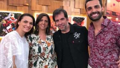 Foto de No palco do Encontro com Fátima Bernardes o cantor Flavio Otoni emociona convidados
