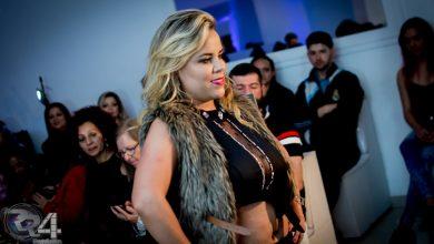 Foto de A apresentadora, atriz e empresária Viviane Alves marca presença no desfile de Bruno Bacck