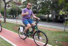 Foto de Arnold Schwarzenegger retorna a São Paulo