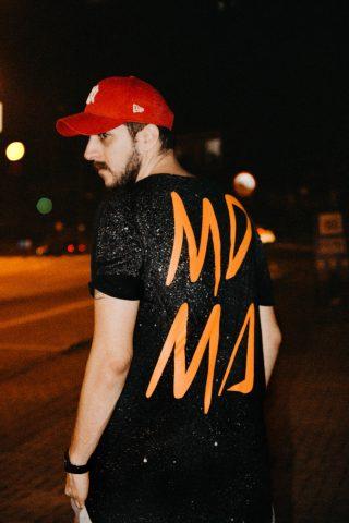 DJ Thiago Barbieri mostra seus dotes musicais ao mundo