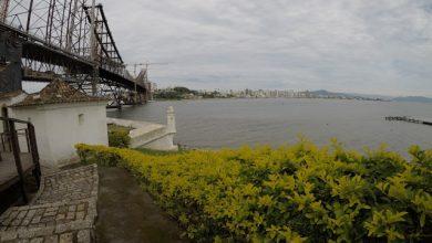Foto de Se não tiver Vento Sul forte e nem chuva, provavelmente a ponte Hercilio Luz voltará a funcionar em Dezembro