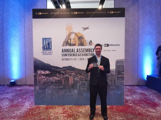 O Aeroporto Internacional de Florianópolis recebeu nessa terça-feira o título de Aeroporto Verde, concedido pela Airports Council International da América Latina e Caribe