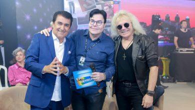 Foto de E vai rolar a festa no programa Em Revista com Evê Sobral