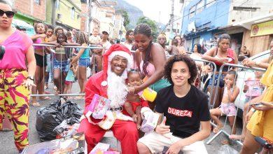 Foto de Funkeiro e Dj se unem para fazer Natal sem Fome no Borel
