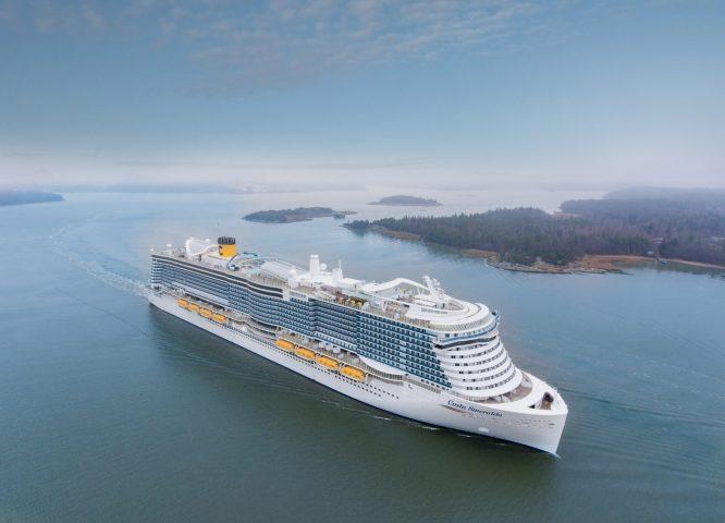 Costa Cruzeiros recebe o flagship