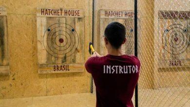 Foto de Primeira casa especializada em arremesso de machado.