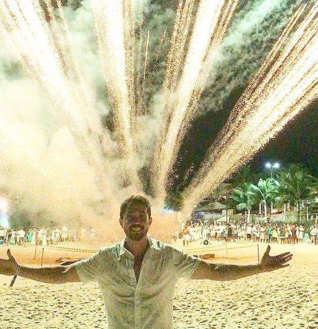 Famosos celebram Réveillon em praias brasileiras