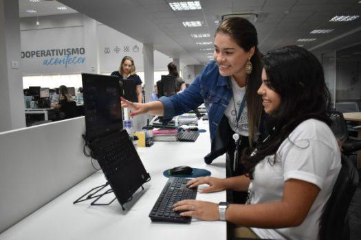 Central cooperativa de Blumenau (SC) realiza processo seletivo para Jovem Aprendiz. Divulgação