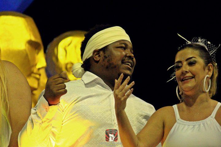 Neto brilha no Carnaval de SP.