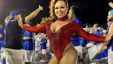 Foto de Rainha de Bateria Andréa Capitulino pronta para o Carnaval