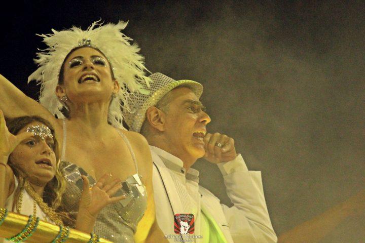 Nizo Neto brilha no Carnaval de SP.