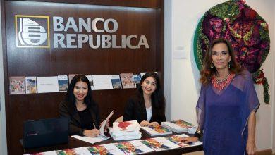 Foto de O vernissage da exposição Trans Bordando no espacio Uruguay
