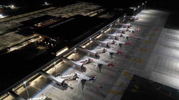 Aeroporto Internacional de Florianópolis mantém malha aérea essencial