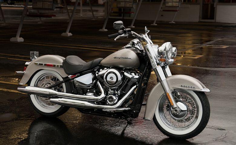 Harley Davidson parada na garagem por longos períodos