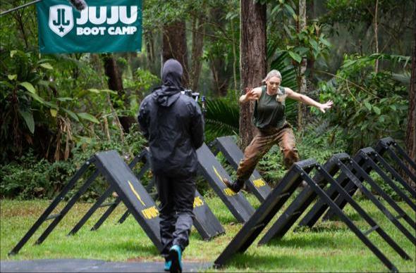 Janaina Julik revela detalhes de sua saída no Juju Boot Camp