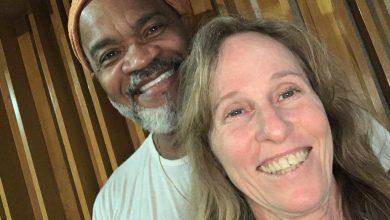 Foto de Deborah Colker e Carlinhos Brown em live do canal Curta