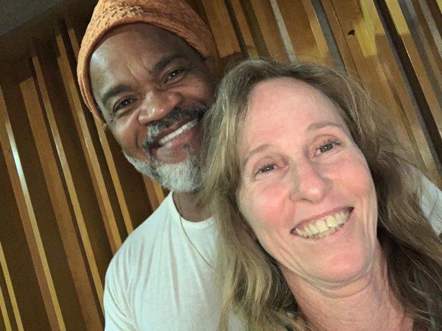 Deborah Colker e Carlinhos Brown em live do canal Curta