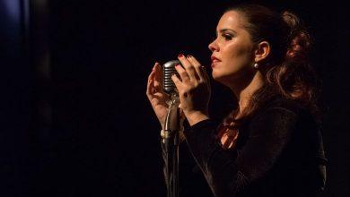 Foto de Mona Vilardo oferece música sob encomenda para o dia das mães