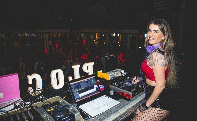 DJ Menina Veneno fala sobre como é ser mulher na cena musical