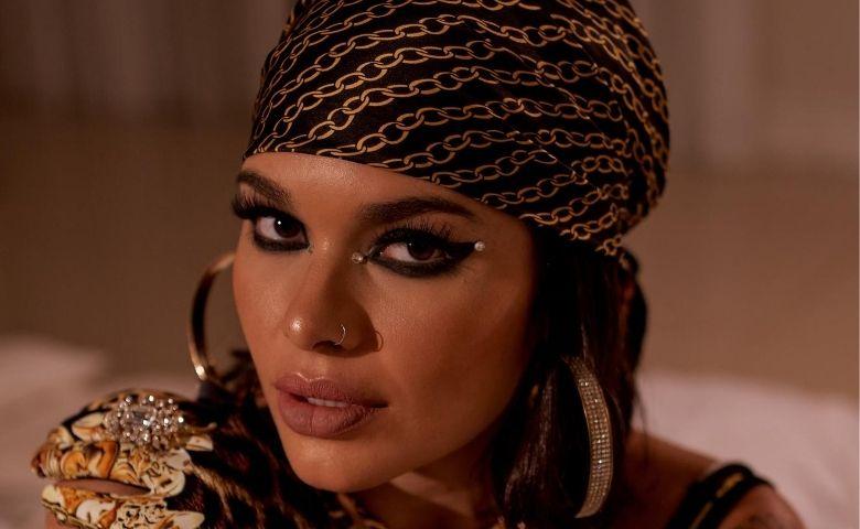 iTunes cantora Lary entra em maior playlist de pop do Brasil