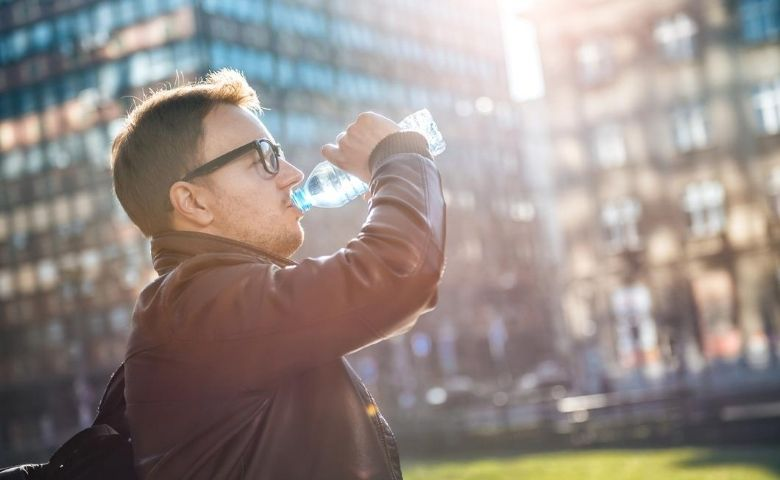 Hidratação no inverno por que sentimos menos sede no frio