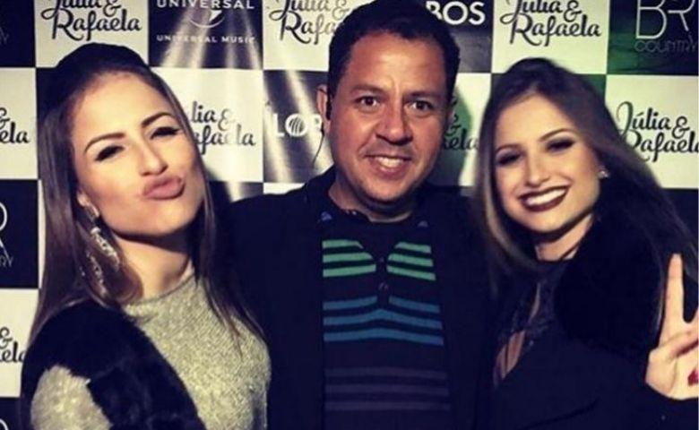 Sertanejas Júlia e Rafaela serão entrevistadas por Junior Mendes