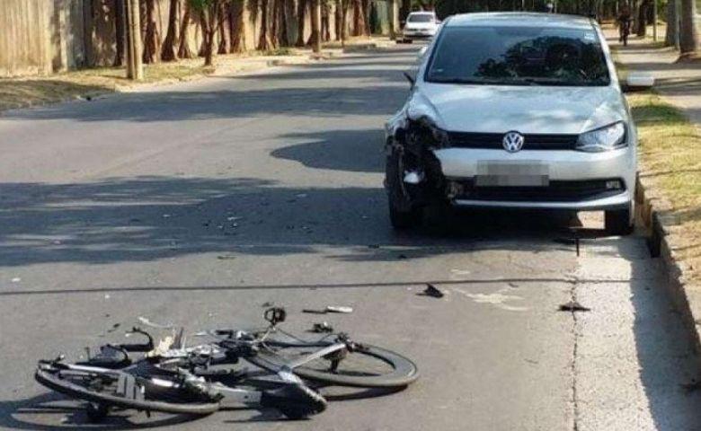 atingido por carro desgovernado