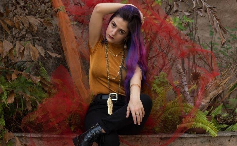 O Mundo se Moveu dá o tom ao novo single de Flavia K