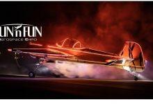 Foto de Grande show de aviões e automóveis na Flórida